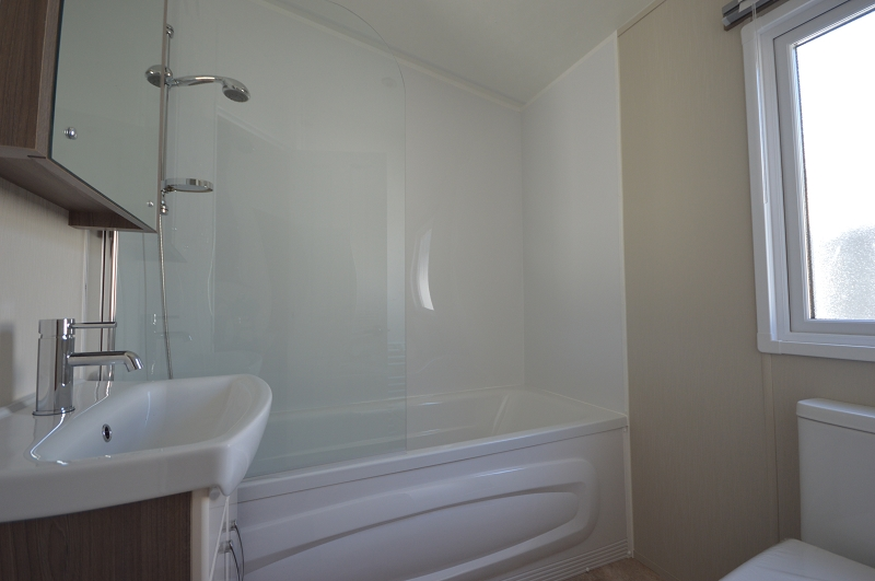 Delta Cambridge - Coghurst Hall - Bathroom