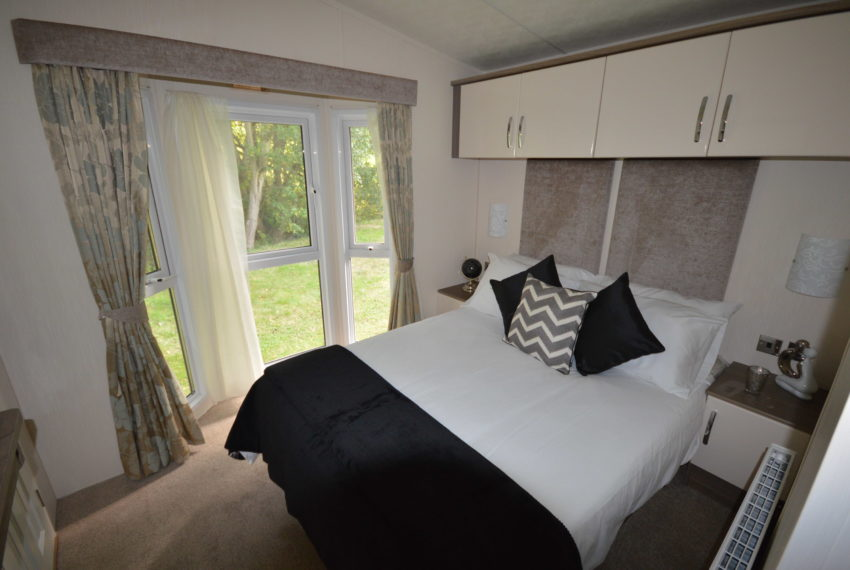 Carlton Meres Holiday Park - Delta Cambridge - Bedroom