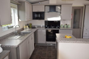 Pevensey Bay Holiday Park - Victory Monaco Duo - Kitchen