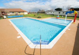 Seaview Holiday Park - Outdoor Swimming Pool
