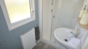 Seaview Holiday Park - Atlas Mirage - Bathroom