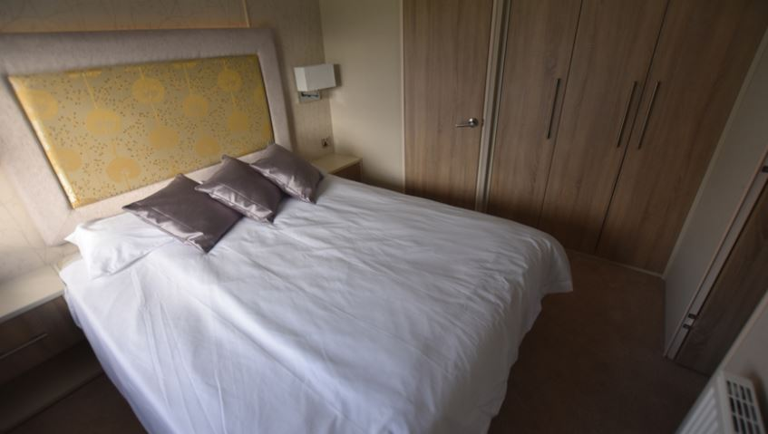 Dovercourt-Holiday-Park-Carnaby-Helmsley-Bedroom