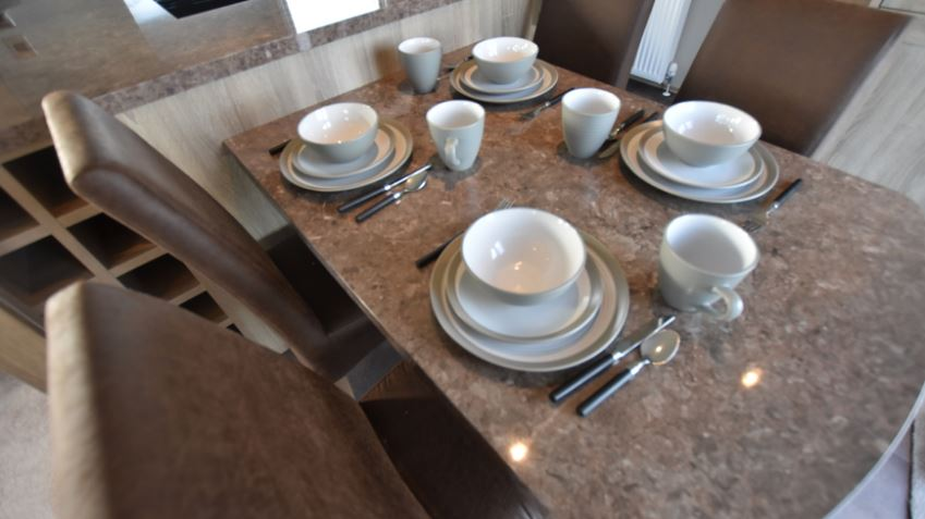 Dovercourt-Holiday-Park-Carnaby-Helmsley-Dinning