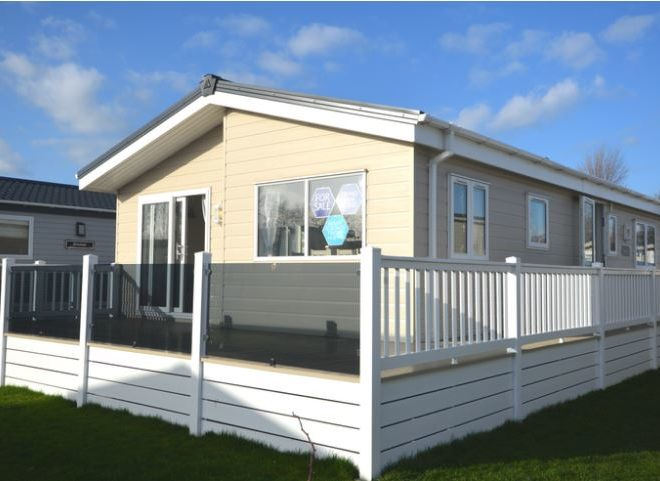 Felixstowe Beach Holiday Park Delta Lakeside
