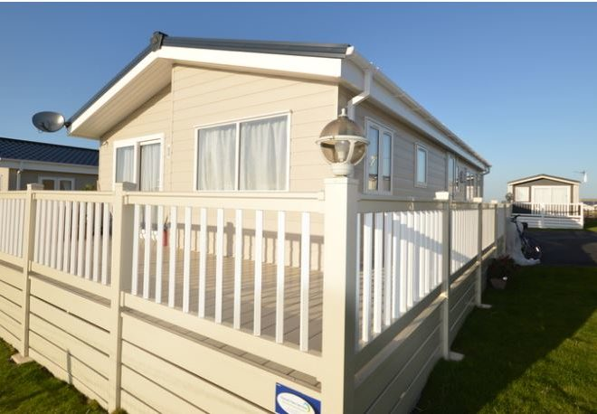 Harts Holiday Park Delta Lakeside