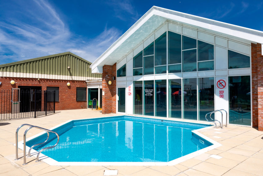 Martello Beach Holiday Park - Pool