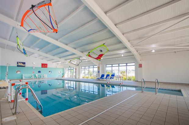 Pevensey Bay Holiday Park - Swimming