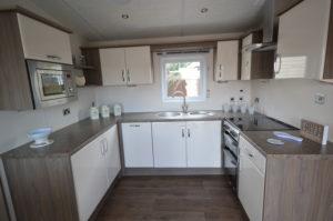 Winchelsea Holiday Park - Delta Cambridge - Kitchen