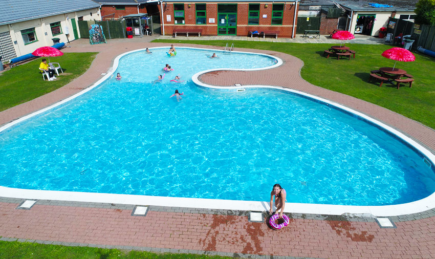 Dovercourt Holiday Park - Swimming Pool