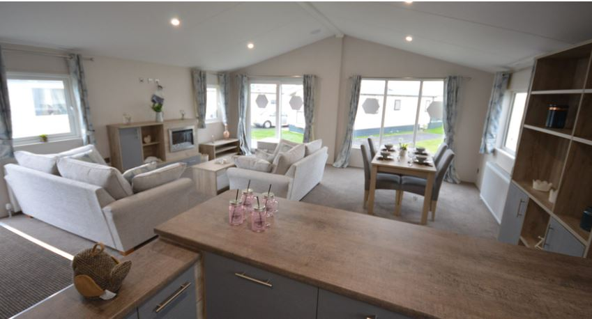 Carlton-Meres-Holiday-Park-Willerby-Candence-Lounge2