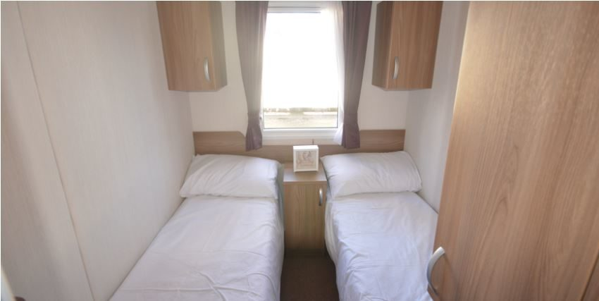 Felixstowe-Beach-Holiday-Park-Swift-Bordeaux-Bedroom1