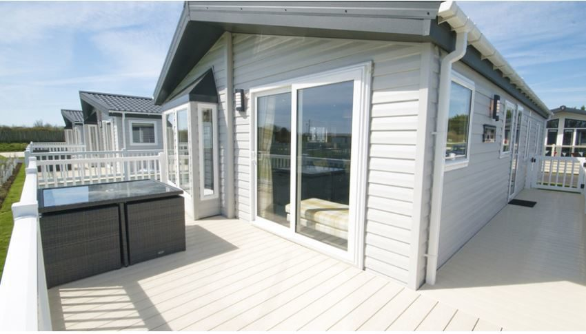 Pevensey-Bay-Holiday-Park-Willerby-Everleigh-Outside
